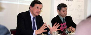Roundtable with David Warren, the British Ambassador to Japan, 26/01/2011